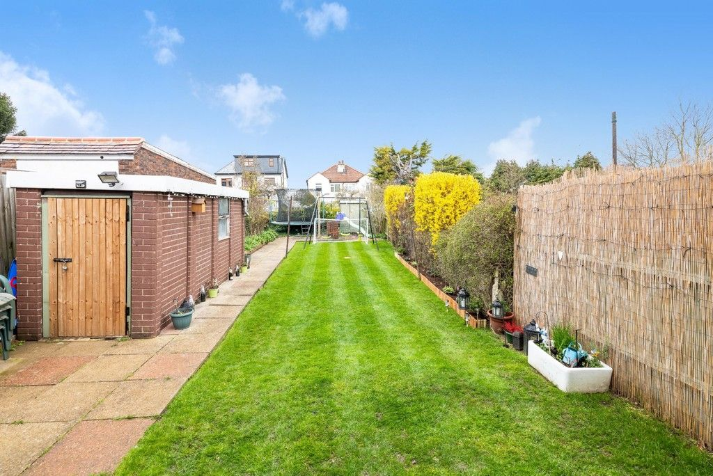 3 bed house for sale in Normanhurst Road  - Property Image 16