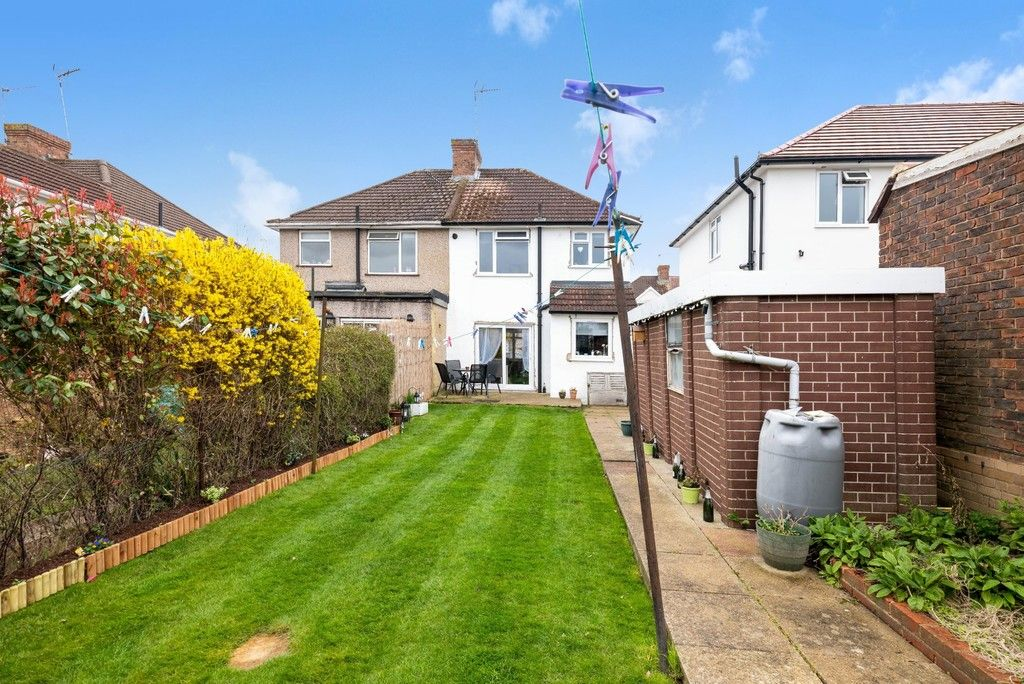 3 bed house for sale in Normanhurst Road 17