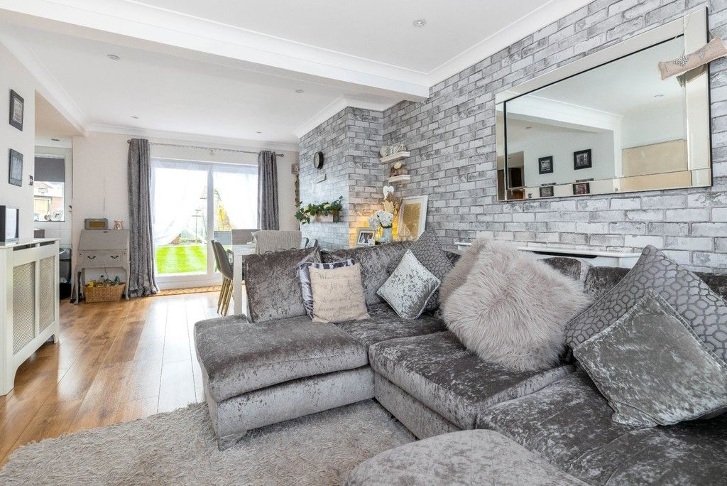 3 bed house for sale in Normanhurst Road 4