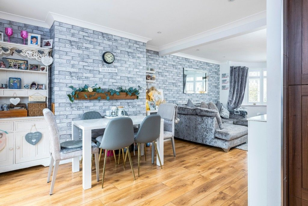3 bed house for sale in Normanhurst Road 5