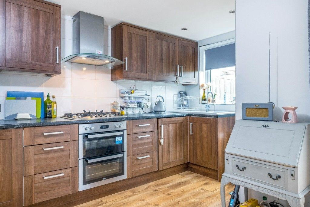 3 bed house for sale in Normanhurst Road 7