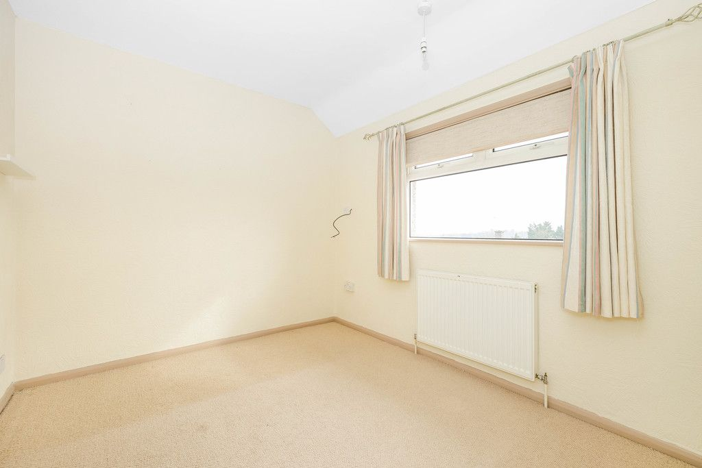 3 bed house for sale in Batchwood Green, Orpington 13