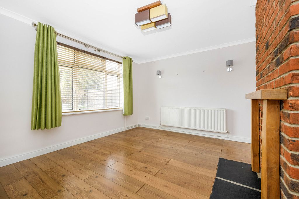 3 bed house for sale in Batchwood Green, Orpington  - Property Image 3