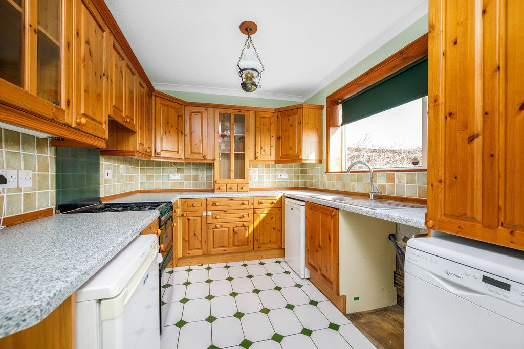 3 bed house for sale in Batchwood Green, Orpington  - Property Image 5