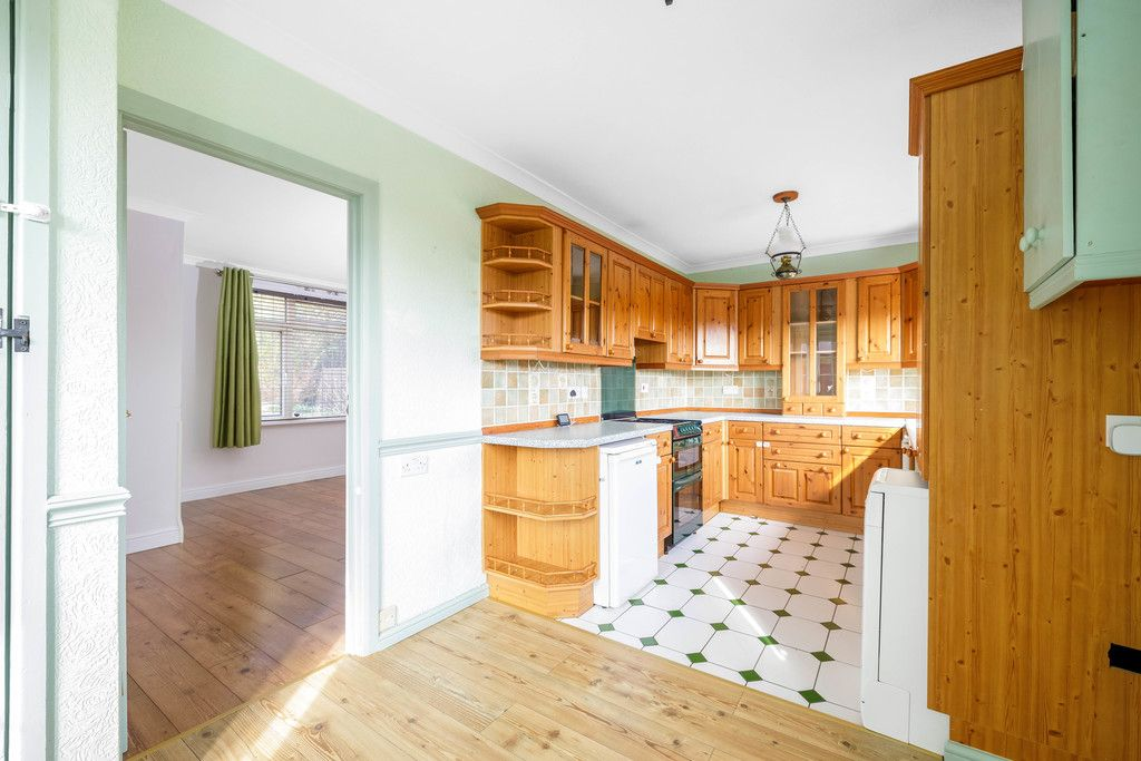 3 bed house for sale in Batchwood Green, Orpington  - Property Image 7