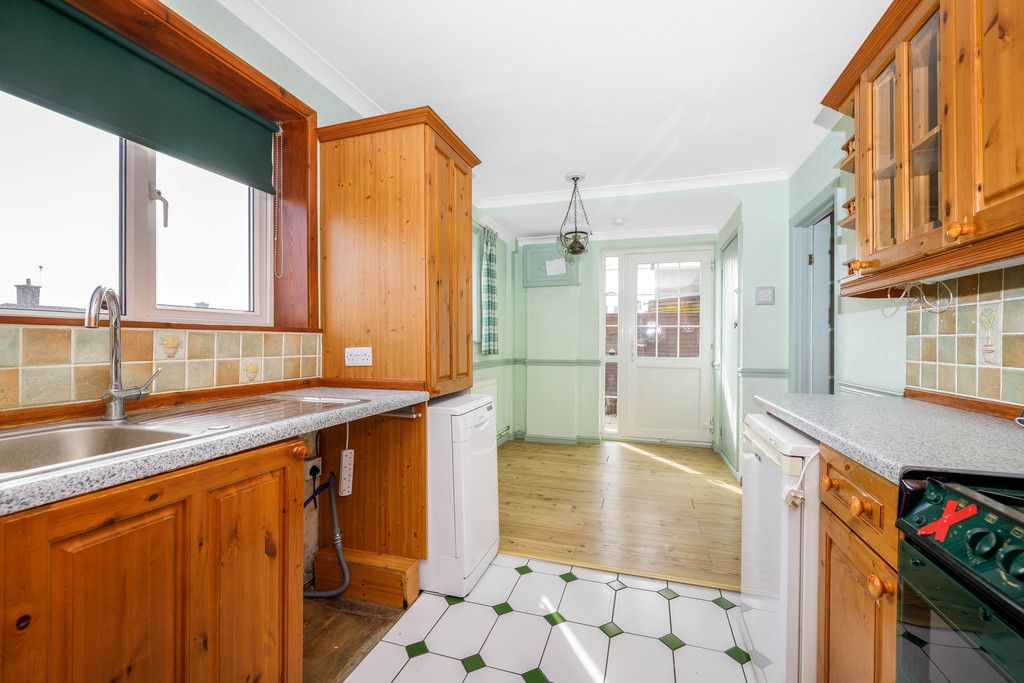 3 bed house for sale in Batchwood Green, Orpington  - Property Image 8
