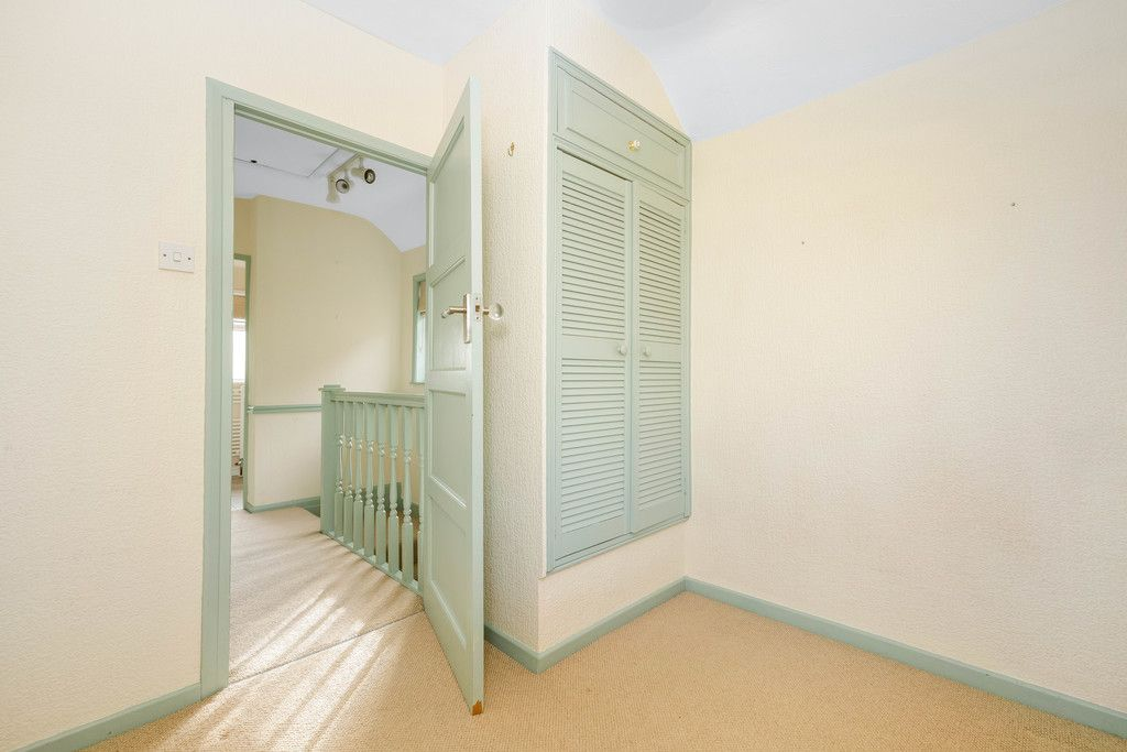 3 bed house for sale in Batchwood Green, Orpington 9