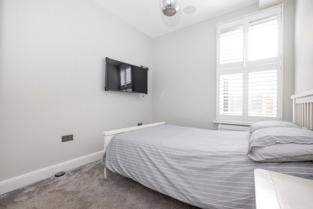 2 bed flat for sale in Meadow Road, Bromley 11