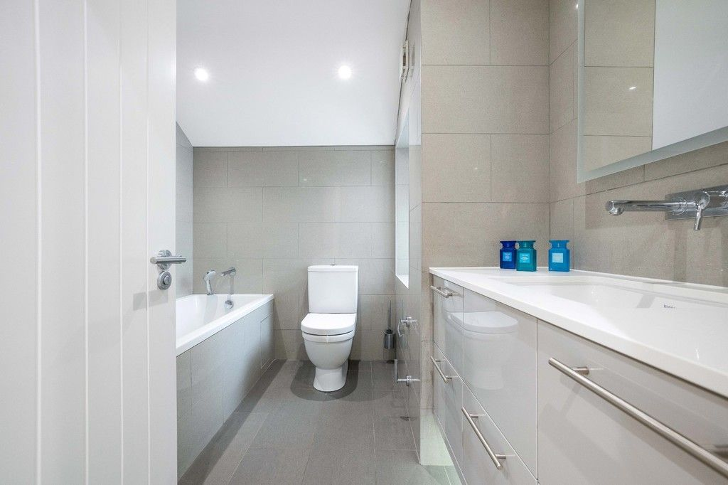 2 bed flat for sale in Meadow Road, Bromley  - Property Image 12