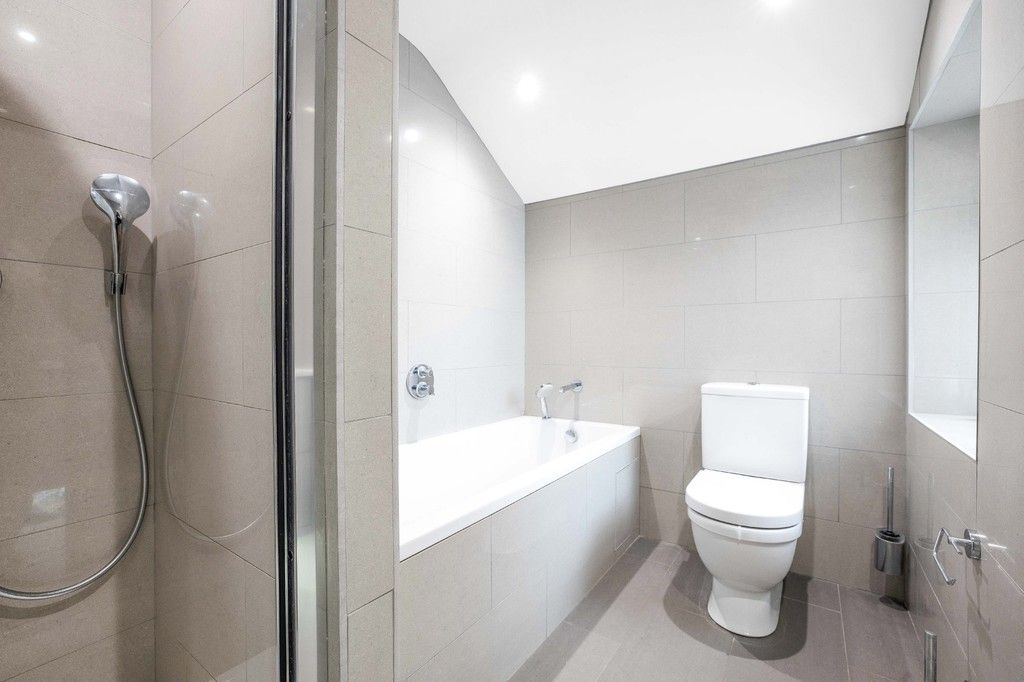 2 bed flat for sale in Meadow Road, Bromley  - Property Image 13