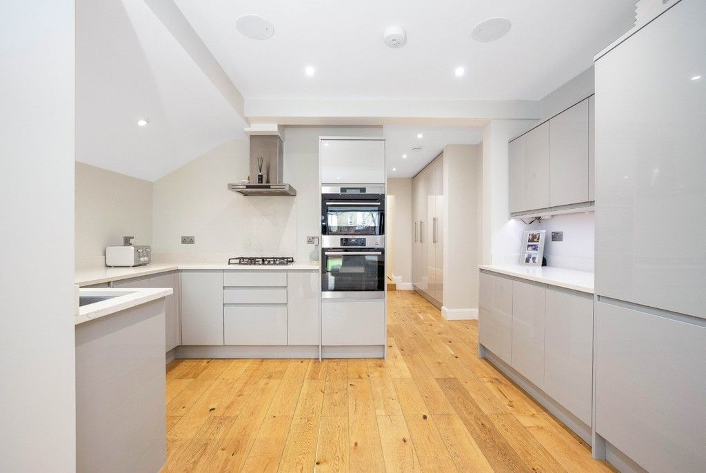 2 bed flat for sale in Meadow Road, Bromley  - Property Image 16