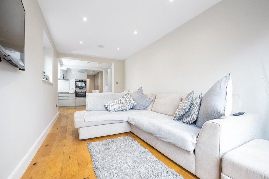 2 bed flat for sale in Meadow Road, Bromley 22