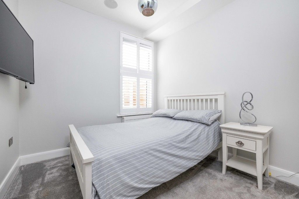 2 bed flat for sale in Meadow Road, Bromley  - Property Image 9