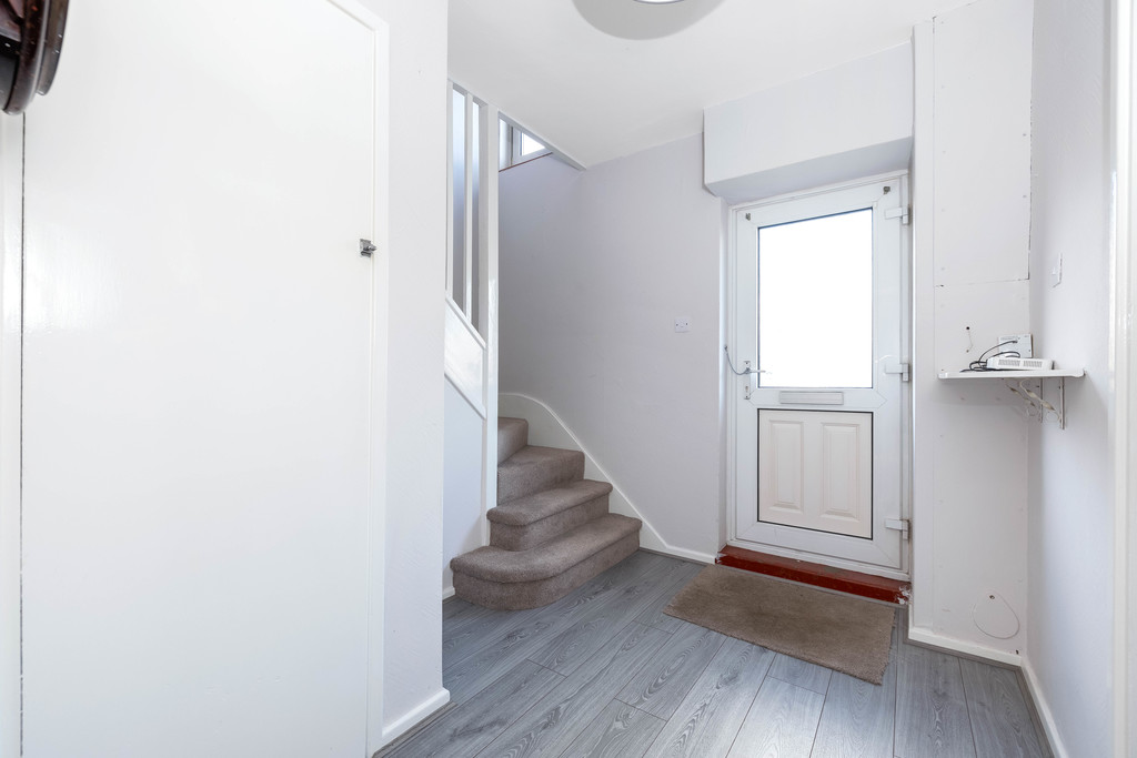 3 bed house to rent in Abbots Park, Tulse Hill, London 11