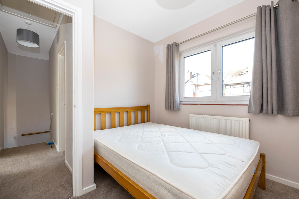 3 bed house to rent in Abbots Park, Tulse Hill, London 15