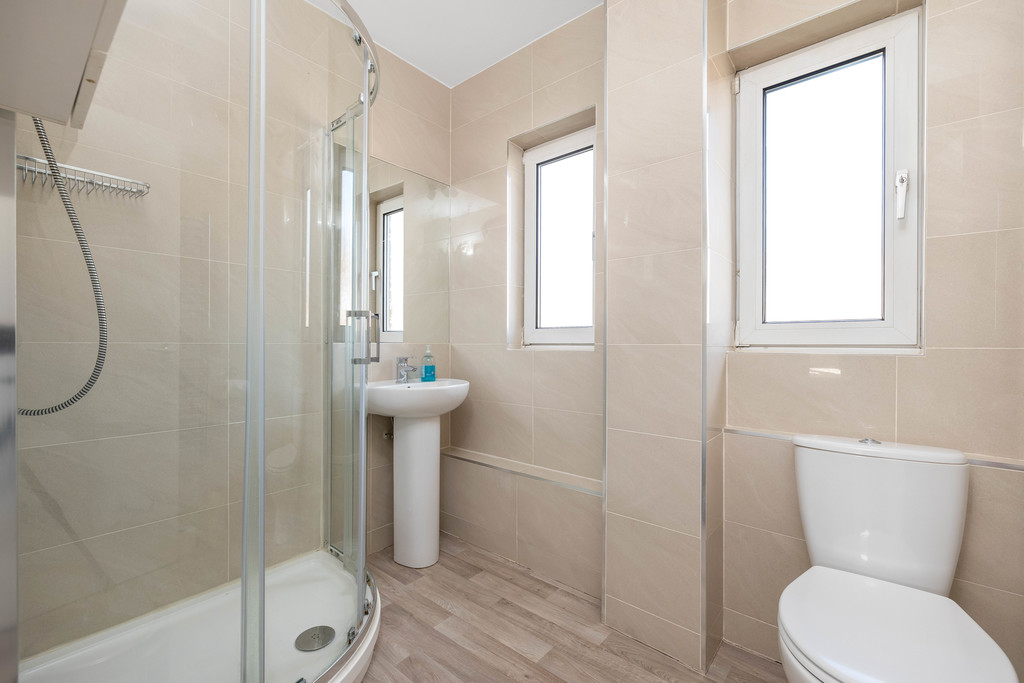 3 bed house to rent in Abbots Park, Tulse Hill, London 16
