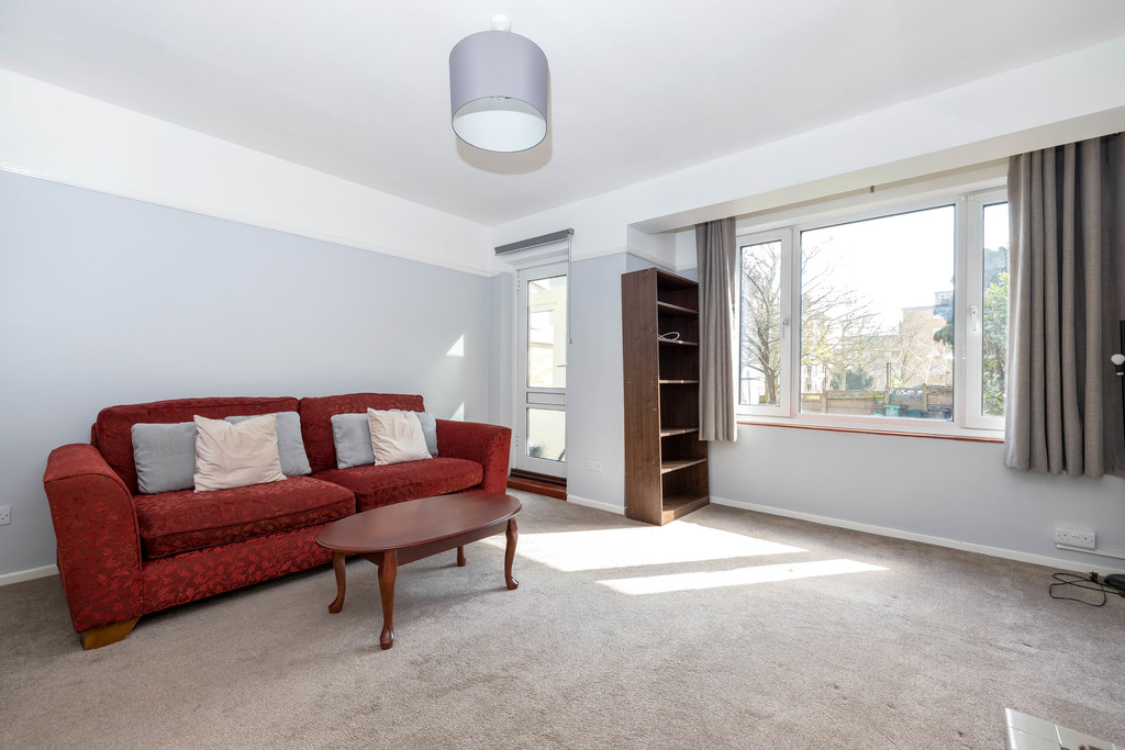 3 bed house to rent in Abbots Park, Tulse Hill, London  - Property Image 3