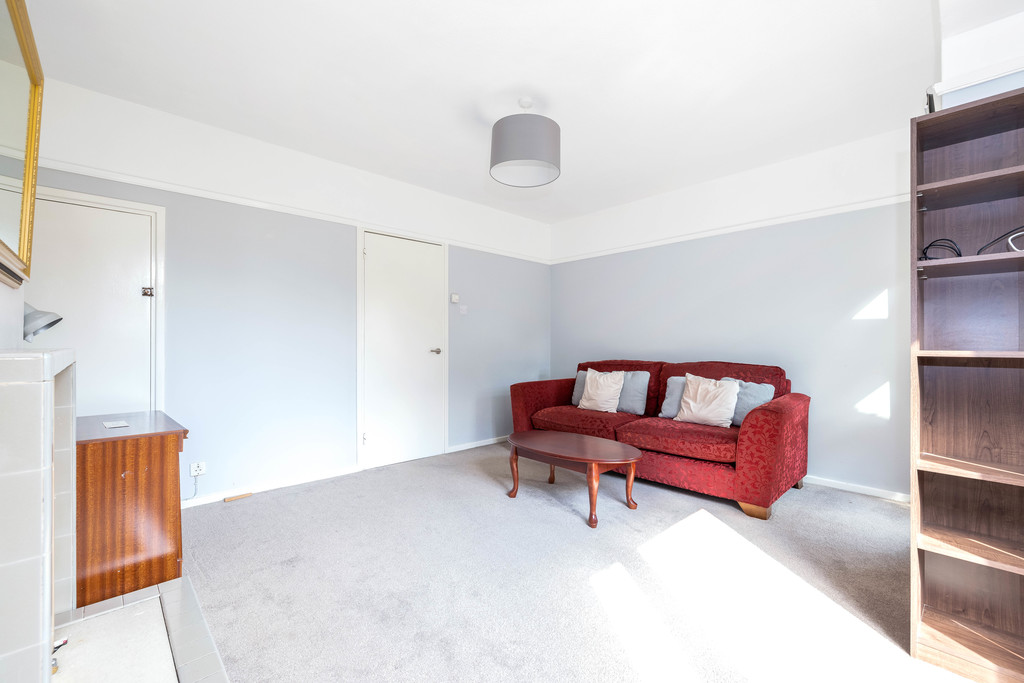 3 bed house to rent in Abbots Park, Tulse Hill, London 10