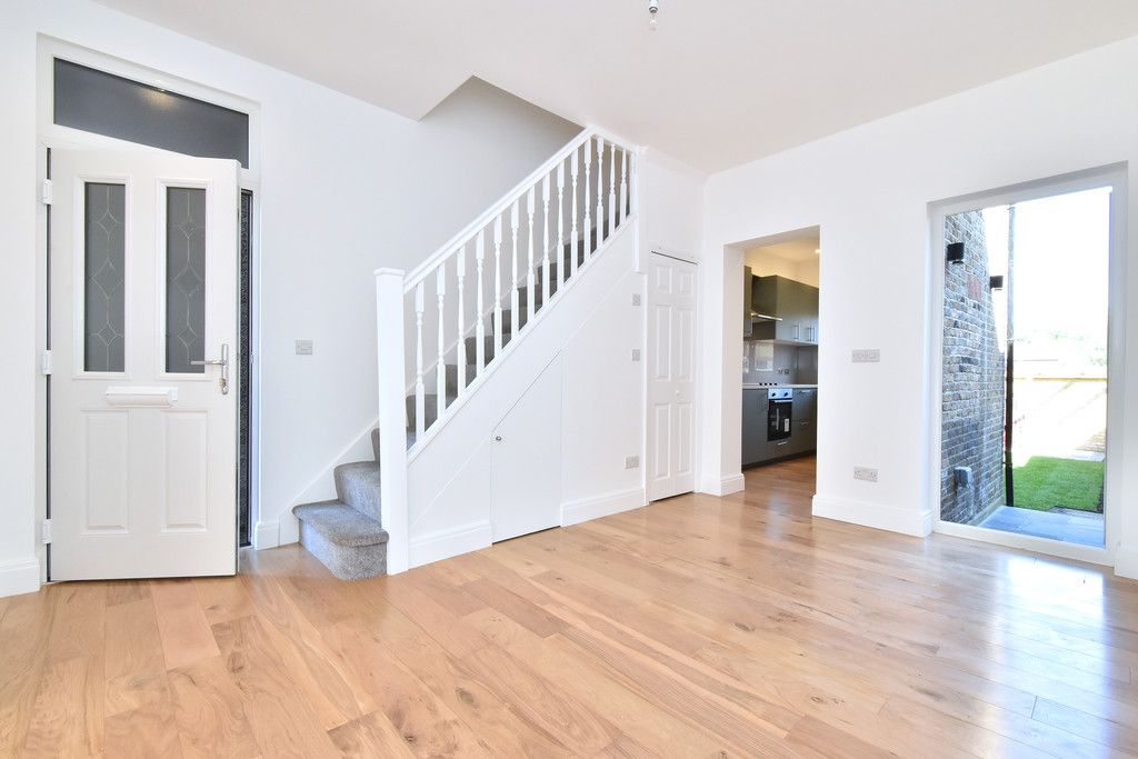 4 bed house for sale in Beckenham Lane, Bromley  - Property Image 2