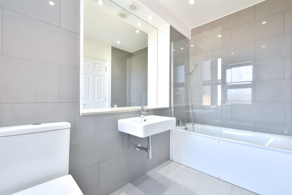 4 bed house for sale in Beckenham Lane, Bromley  - Property Image 11