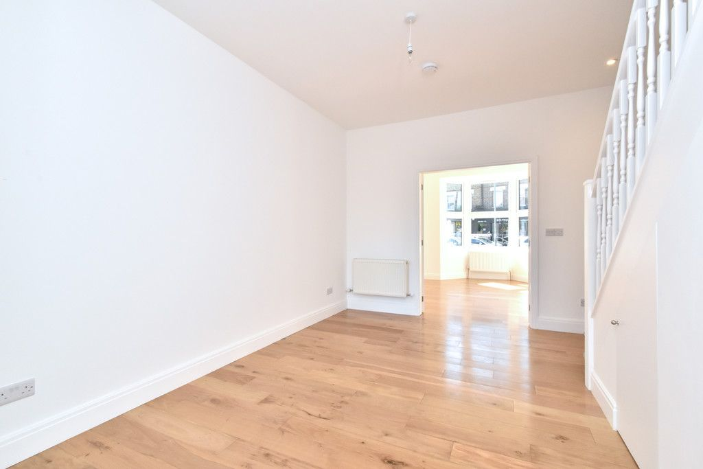 4 bed house for sale in Beckenham Lane, Bromley 6
