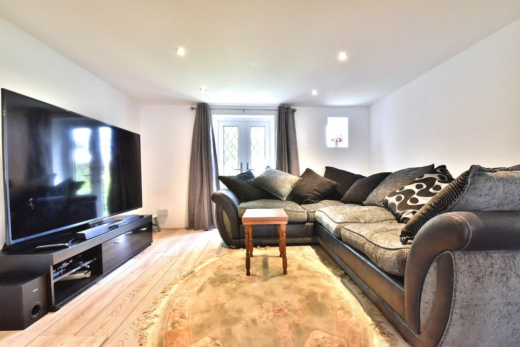 2 bed house for sale in Hayes Street, Bromley  - Property Image 20