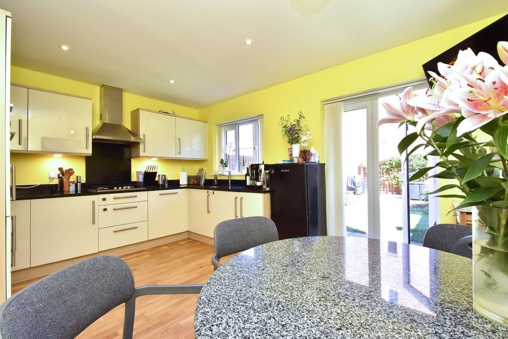 4 bed house for sale in Headingley Drive, Beckenham  - Property Image 2
