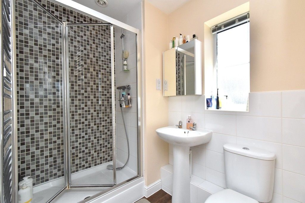 4 bed house for sale in Headingley Drive, Beckenham 9