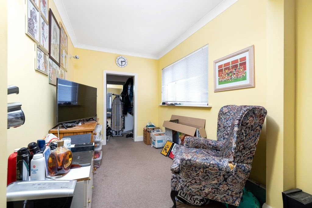 3 bed house for sale in Treewall Gardens, Bromley  - Property Image 12