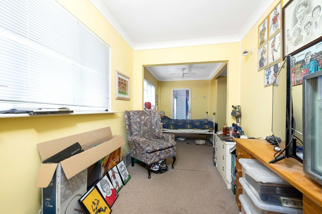 3 bed house for sale in Treewall Gardens, Bromley  - Property Image 13