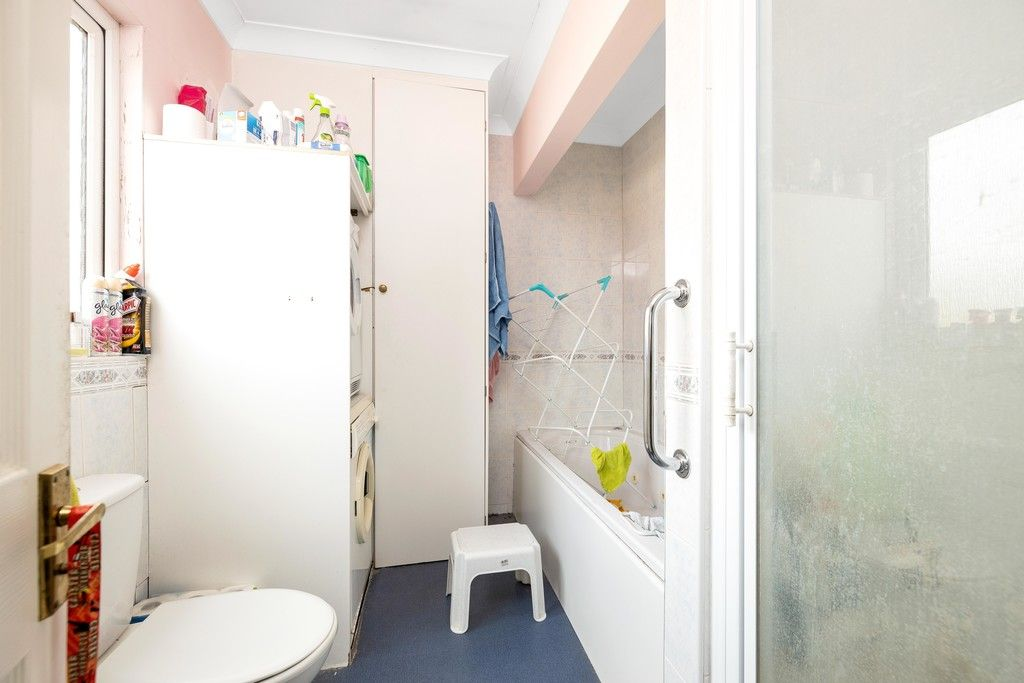 3 bed house for sale in Treewall Gardens, Bromley  - Property Image 15