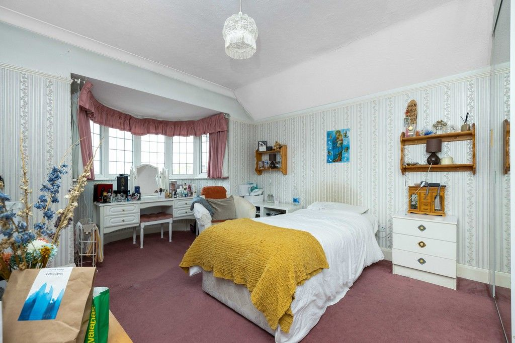 3 bed house for sale in Treewall Gardens, Bromley 17