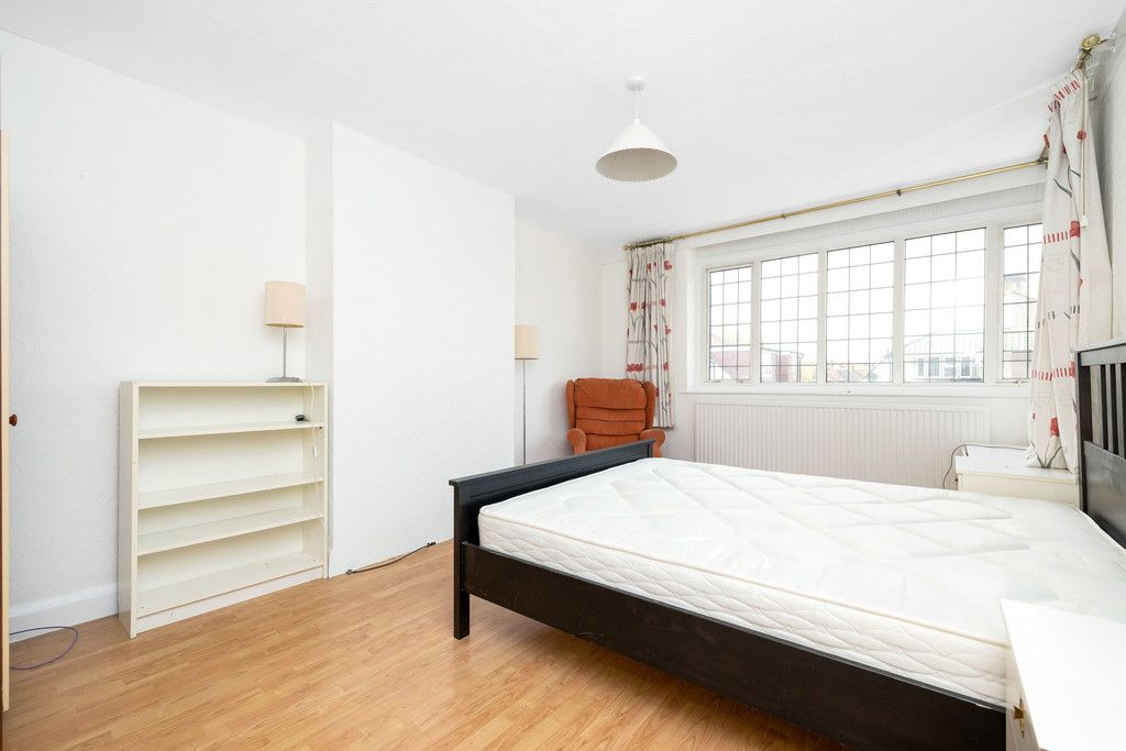 3 bed house for sale in Treewall Gardens, Bromley  - Property Image 18