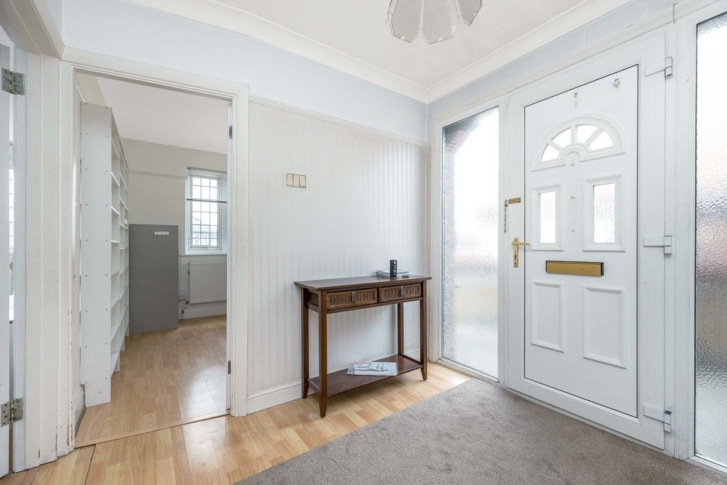 3 bed house for sale in Treewall Gardens, Bromley 3