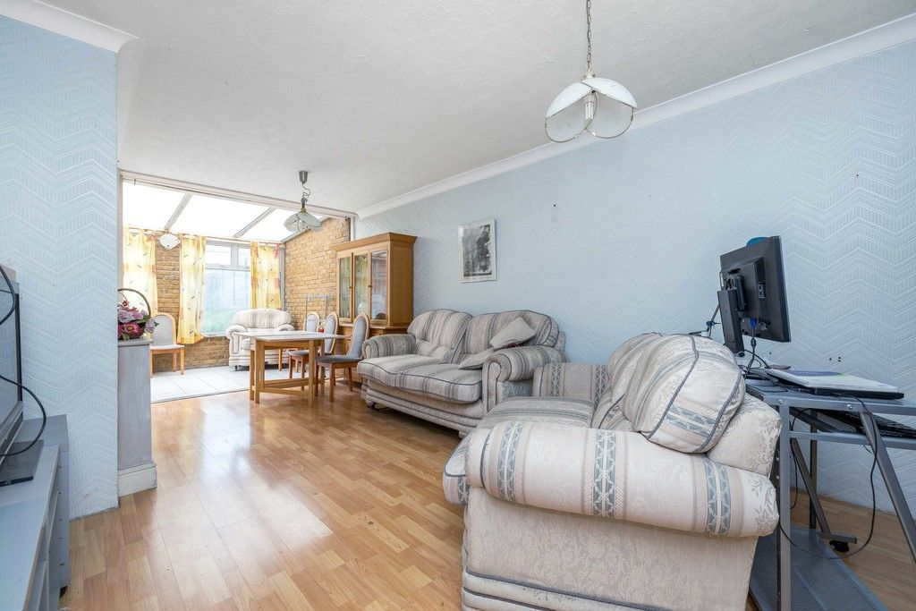 3 bed house for sale in Treewall Gardens, Bromley 4