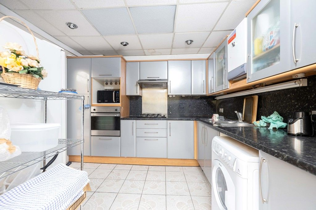 3 bed house for sale in Treewall Gardens, Bromley 8