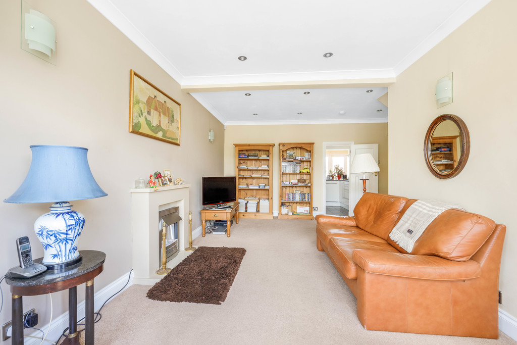 2 bed house for sale in East Drive, Orpington 3