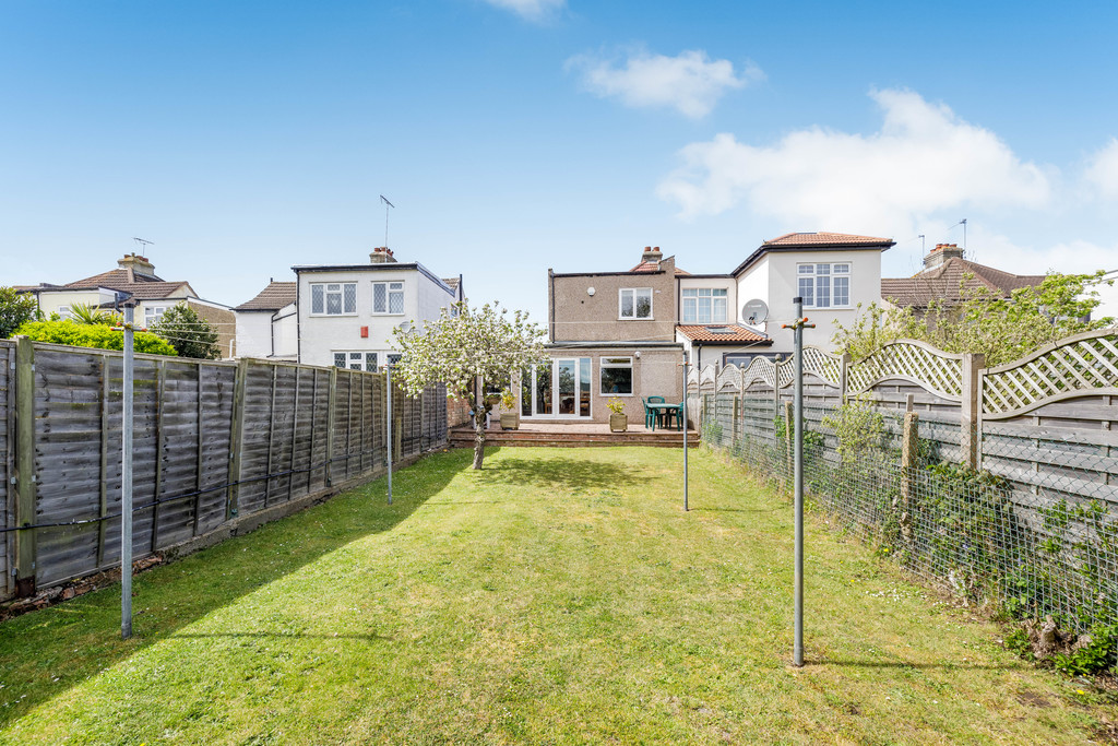 2 bed house for sale in East Drive, Orpington 21