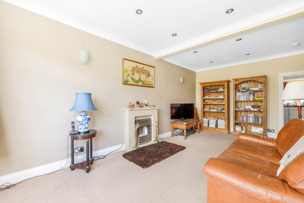 2 bed house for sale in East Drive, Orpington 4