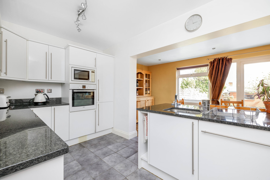 2 bed house for sale in East Drive, Orpington  - Property Image 9