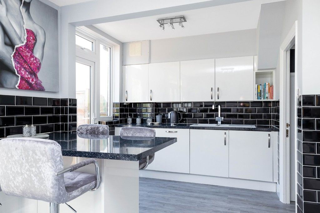 3 bed house for sale in The Avenue, West Wickham 12