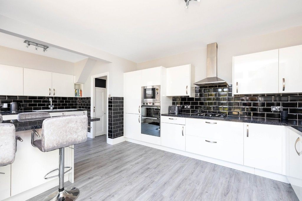 3 bed house for sale in The Avenue, West Wickham 13