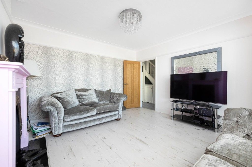 3 bed house for sale in The Avenue, West Wickham 5
