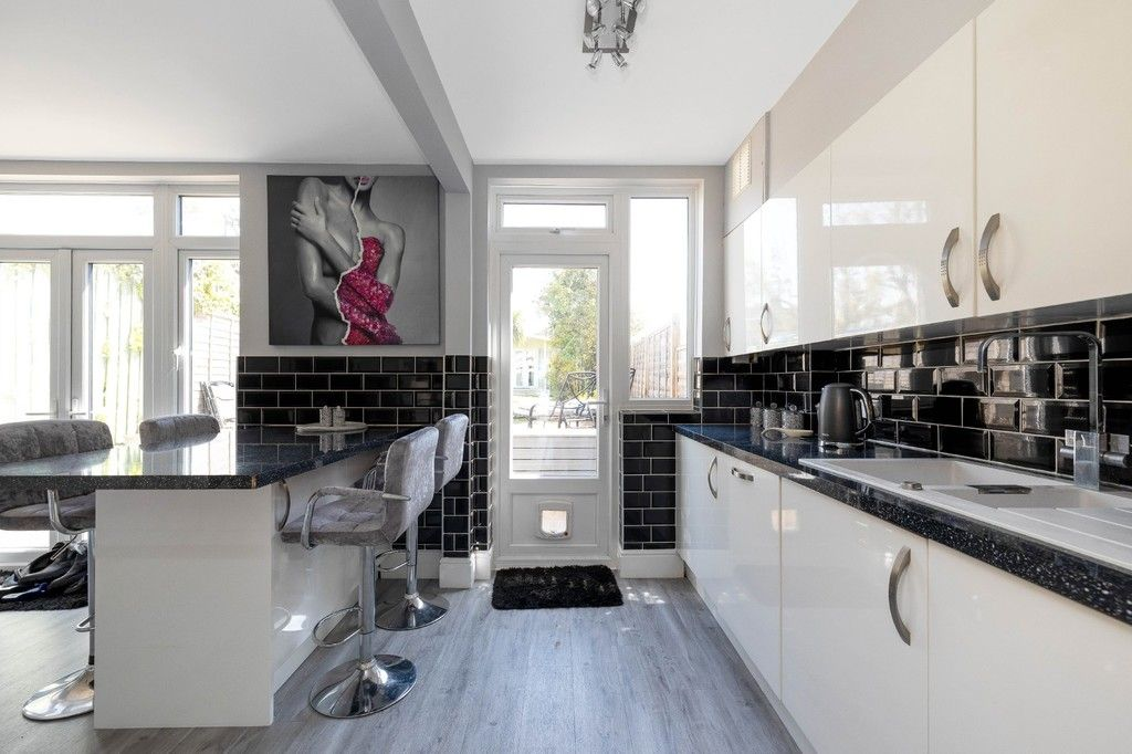 3 bed house for sale in The Avenue, West Wickham 9