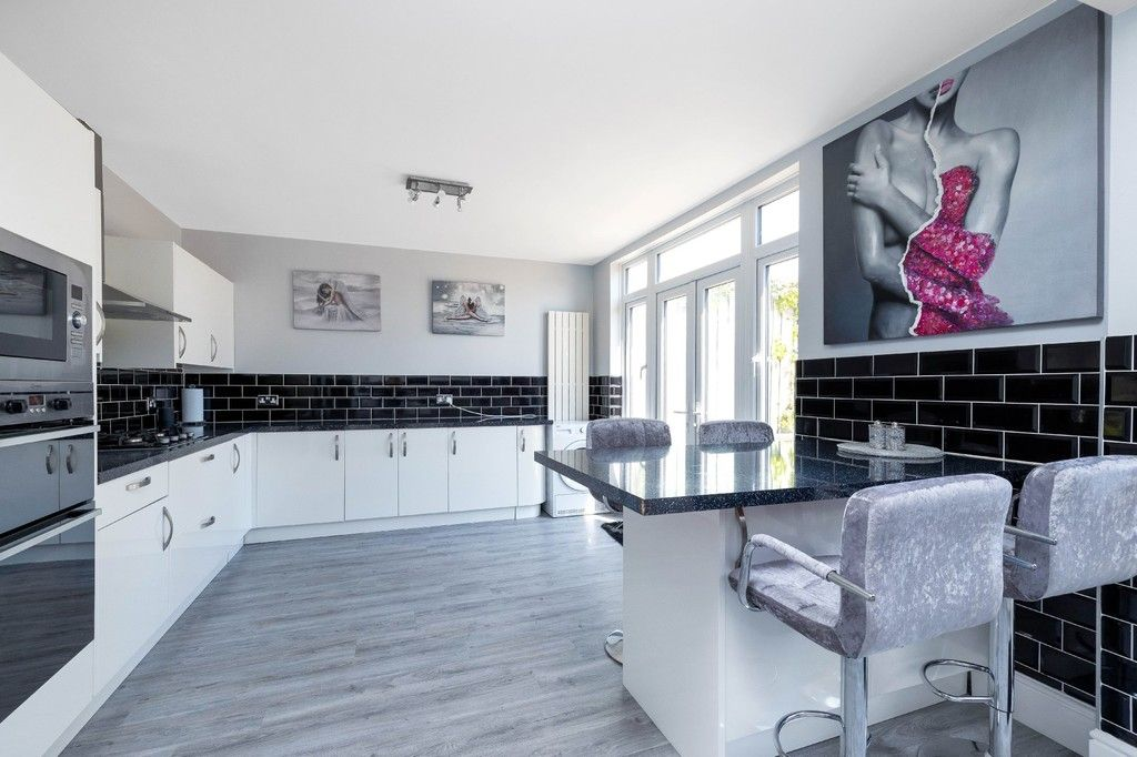 3 bed house for sale in The Avenue, West Wickham 10