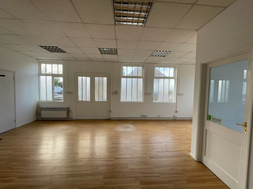 to rent  - Property Image 2