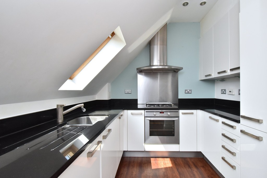 2 bed flat to rent in Manor Grove, Beckenham  - Property Image 4