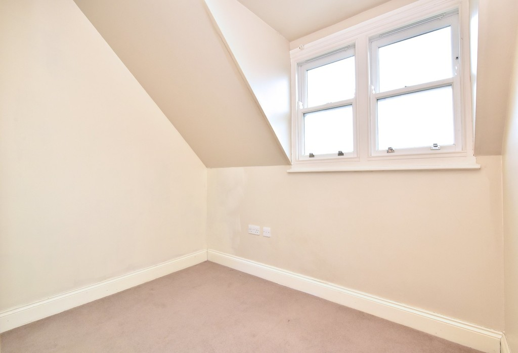 2 bed flat to rent in Manor Grove, Beckenham  - Property Image 7