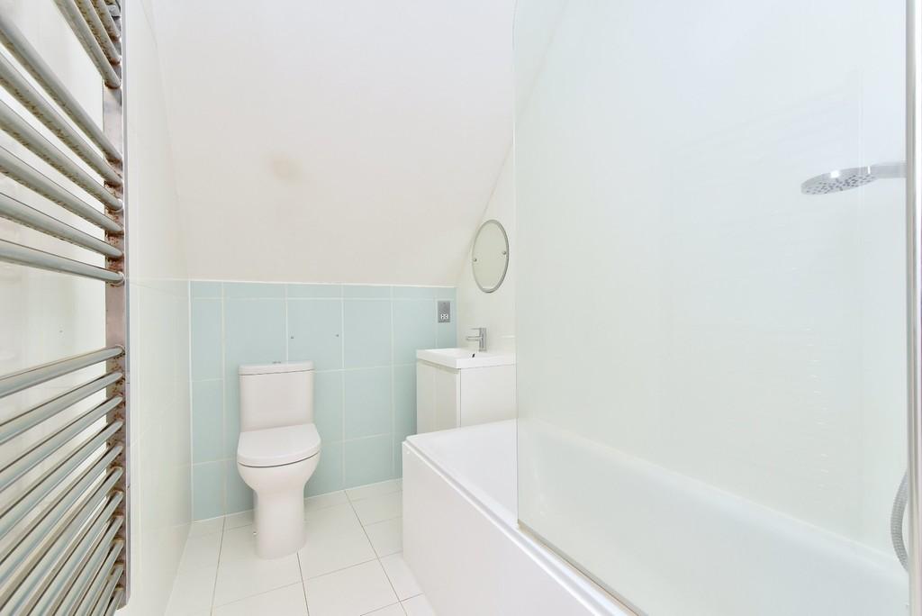 2 bed flat to rent in Manor Grove, Beckenham 8