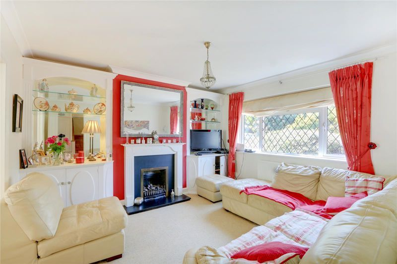 4 bed house for sale in Parsonsfield Road 2
